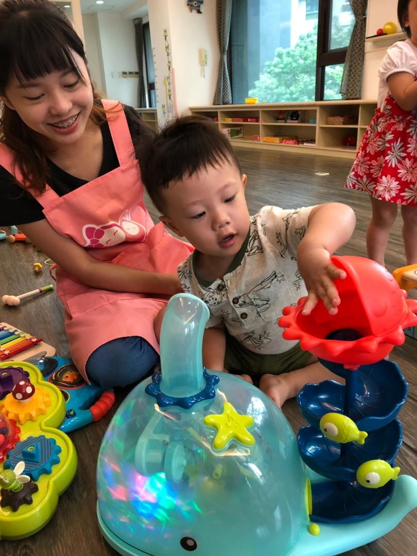 一館新老師與孩子互動照片(下圖為範本)_190821_0013.jpg