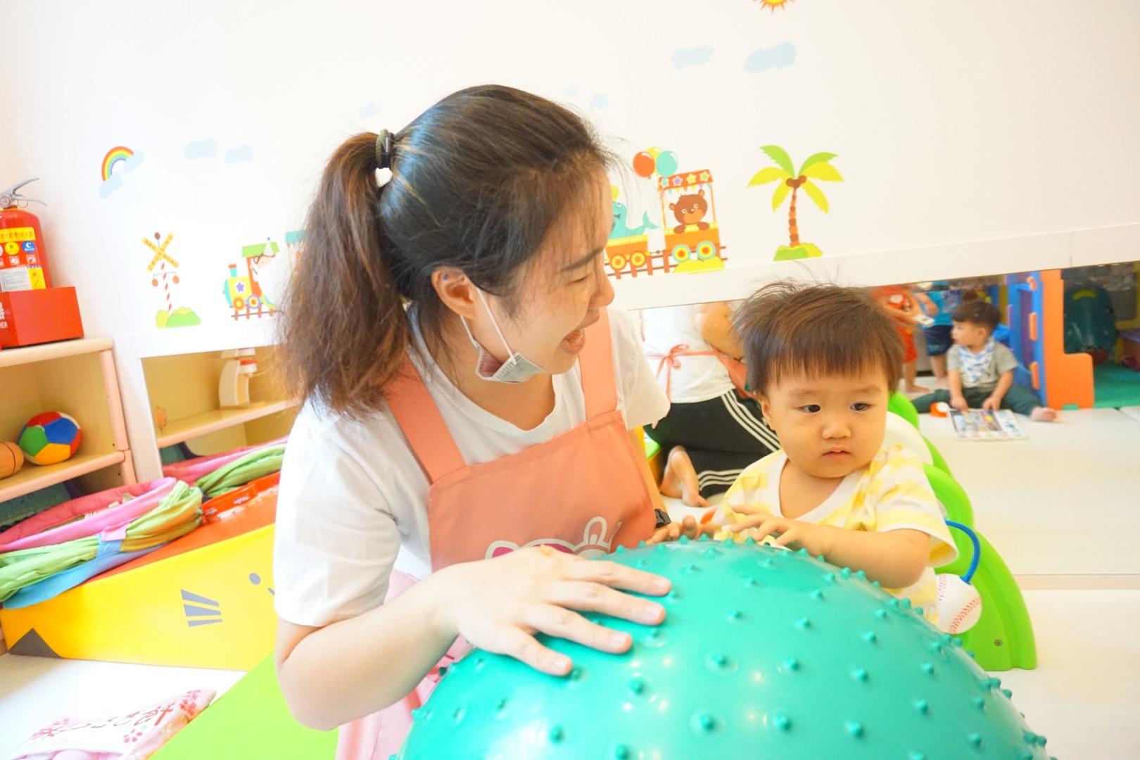 一館新老師與孩子互動照片(下圖為範本)_190821_0021.jpg