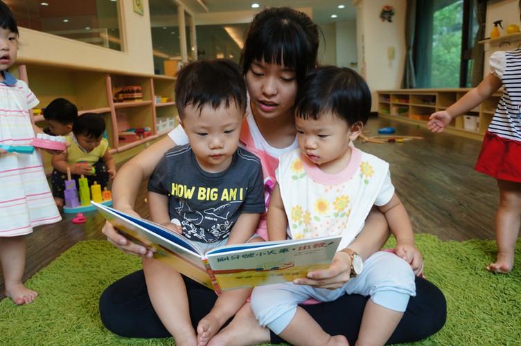 一館新老師與孩子互動照片(下圖為範本)_190821_0012.jpg