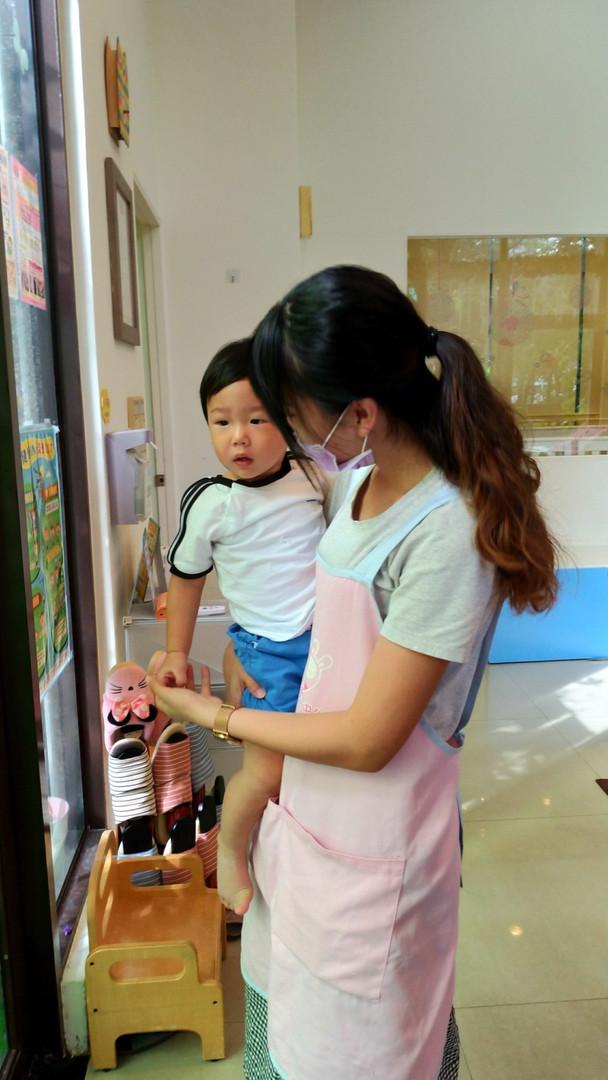 一館新老師與孩子互動照片(下圖為範本)_190821_0010.jpg