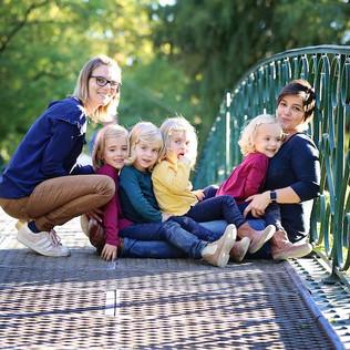 Constance, Aude et leurs 4 filles