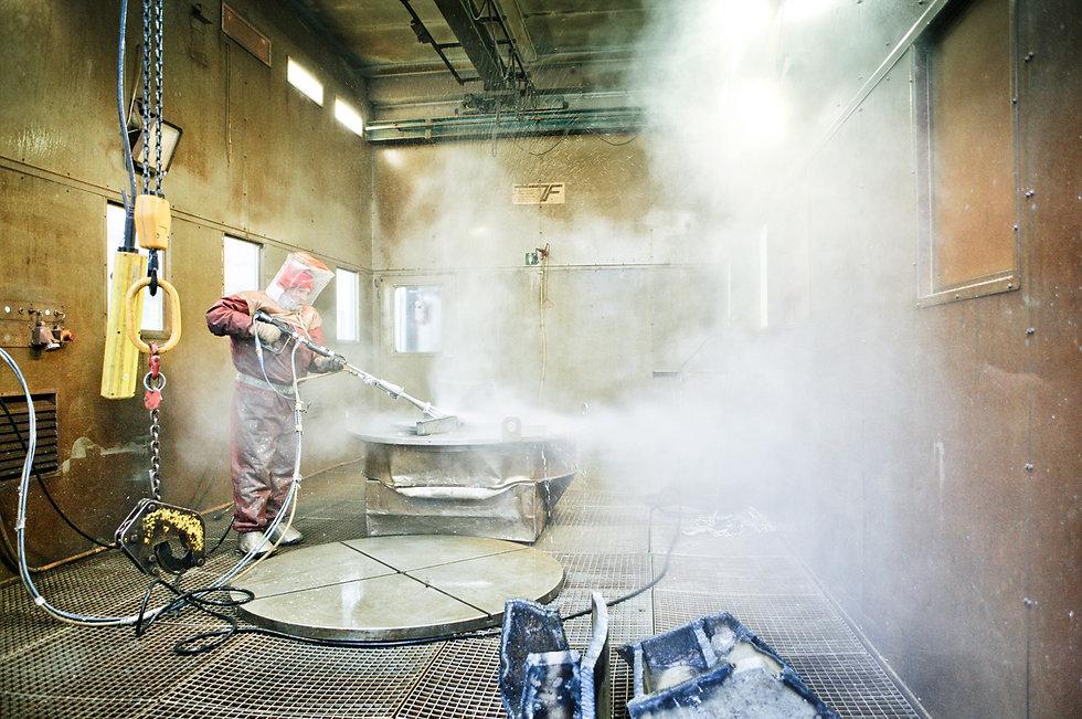 Reinigungsversuch radioaktiv verseuchter AKW-Teile beim AKW-Rückbau mit Hochdruck-Dampfstrahler