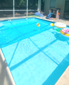 Small or Standard sized Tallahassee FL pools for cleaning in the tallahassee florida area
