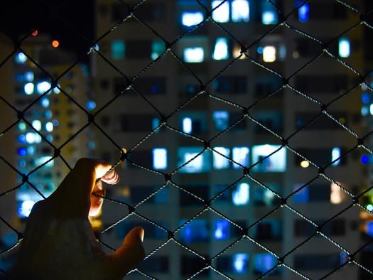 De dentro para fora: ensaio registra efeitos da pandemia no cotidiano