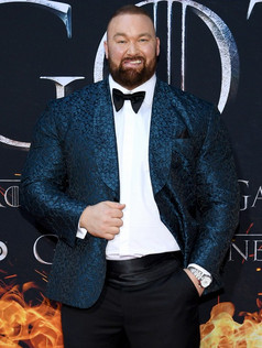 jason-momoa-and-peter-dinklage-join-game