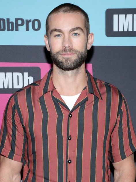 chace-crawford-birthday-at-comic-con-06_