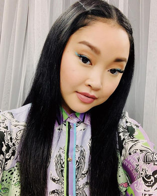 TEEN VOGUE - GET LANA CONDOR'S ELECTRIC BLUE EYELINER LOOK - MAKEUP BY SHANNON RASHEED
