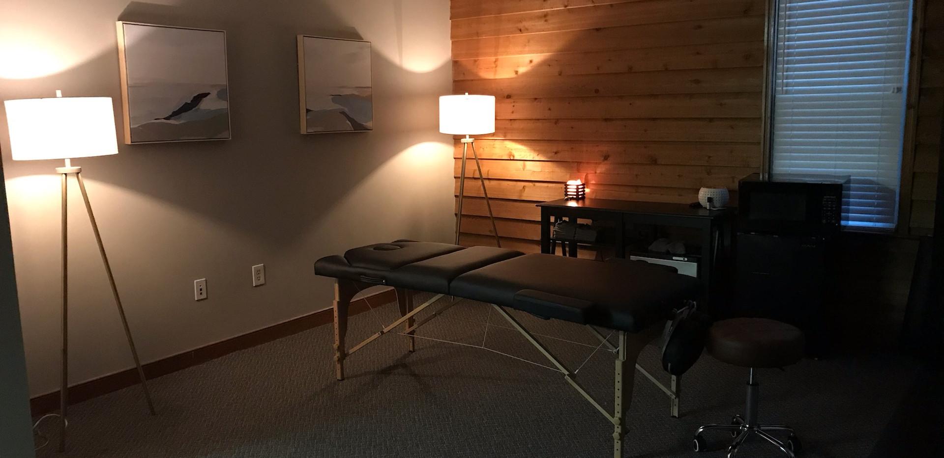 Office 2020 Full Table Dim Lights.jpg