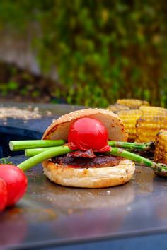 Burger verde rosso a base vegetale