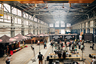 Grossartiges Ambiente - ein Grillspektakel dort, wo früher Lokomotiven hergestellt wurden (die Rapide-Halle in Winterthur)