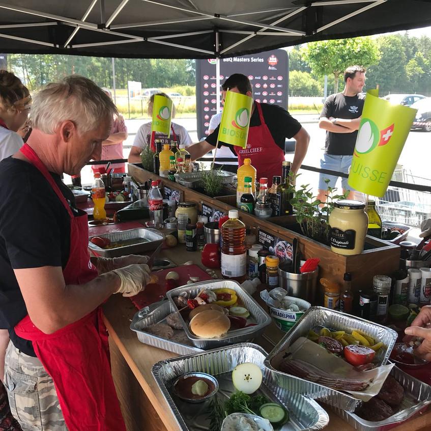 Vorbereitung an der Marinierstation in Haag