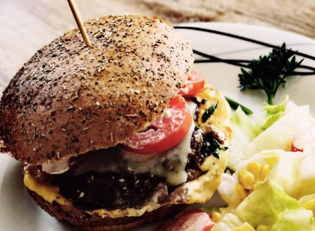 Die Schweiz im Burger-Challenge-Fieber