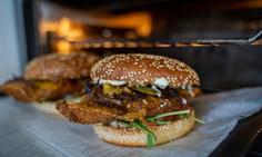 Crispy chicken burger by Kalil