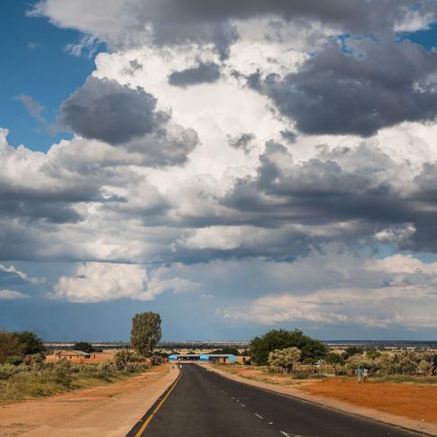 The road to Manyeledi Village, NW
