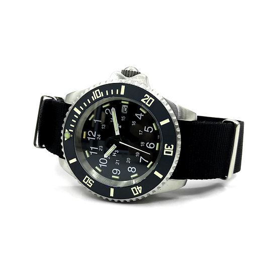 24 Jewel 300m Automatic Military Divers Watch with Tritium GTLS