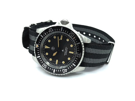 WST END by HOAX By MWC Vintage SubMil Watch