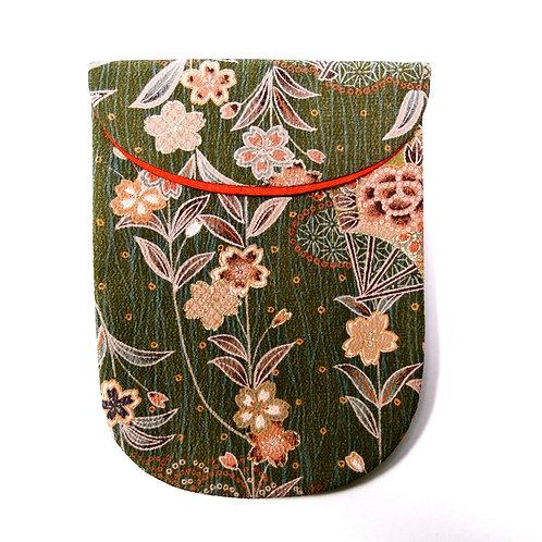 Japanese Tabi bag, Kimono silk Textile, many traditional motifs, unused