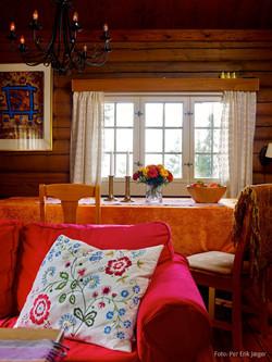 Koselig stue med spiseplass