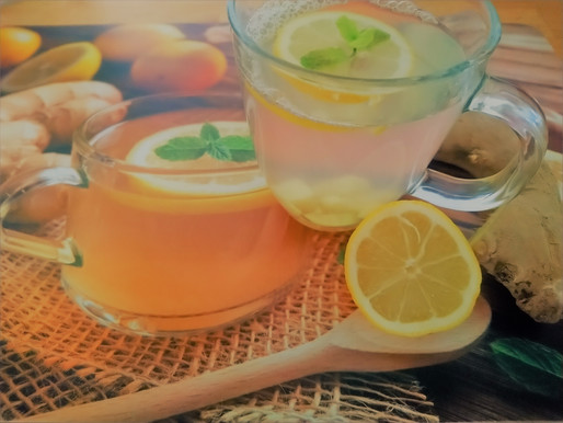 Make your own Fresh Detox Tea with Ginger and Lemon
