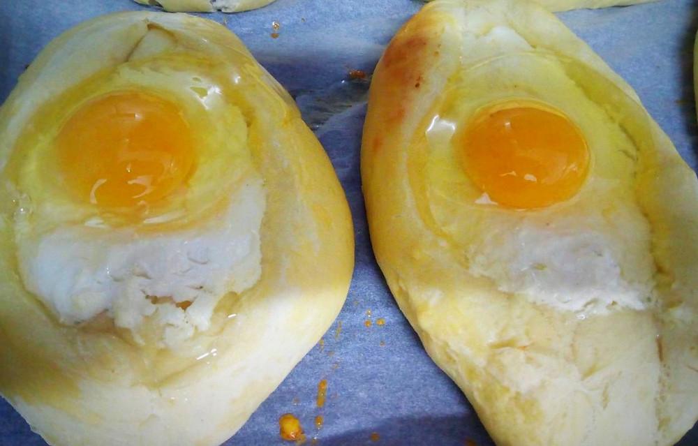 вбитое яйцо
