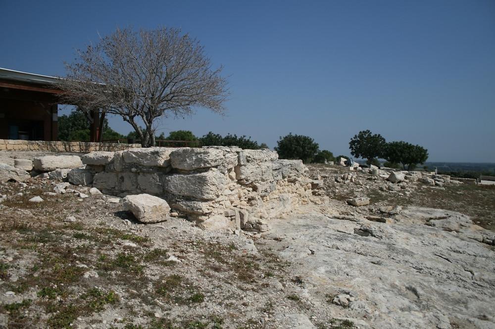 Раскопки на Кипре, куриум