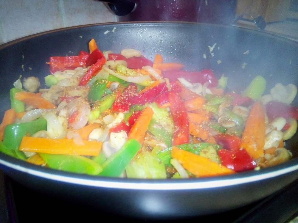 овощи посыпанные приправой