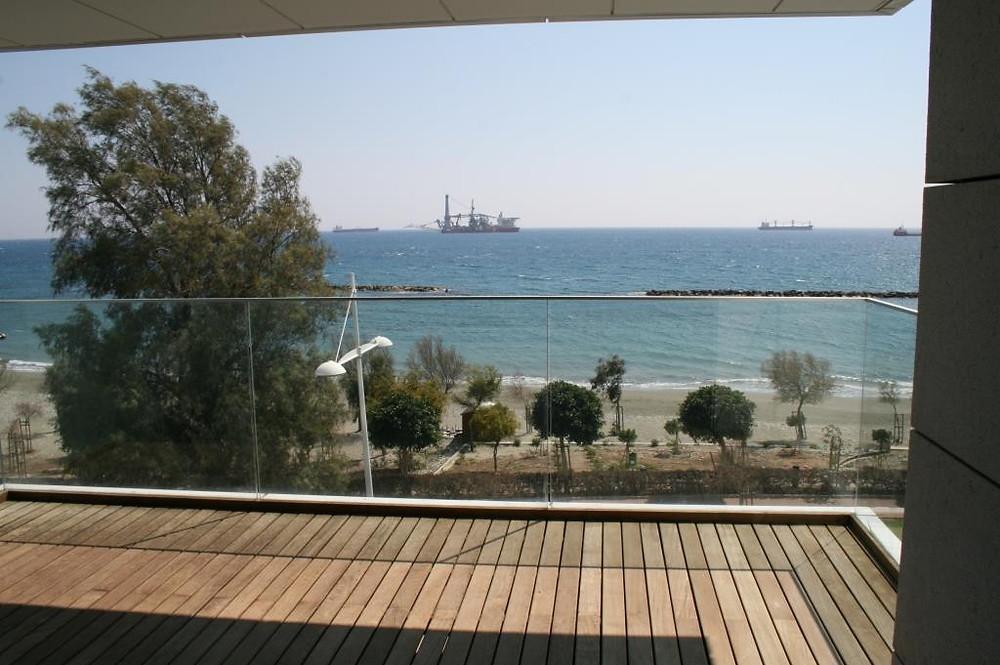 апартаменты у моря в Лимассоле купить