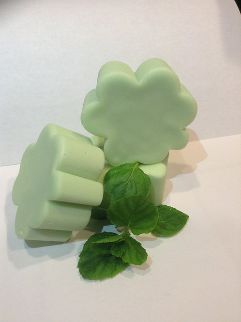 Lucky Mint Shamrocks (Wht Choc Flavored w/Mint)