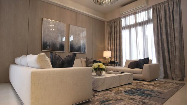 Luxus Hills Showflat