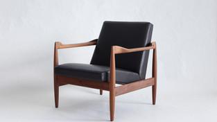 Sofas & Lounge Seating