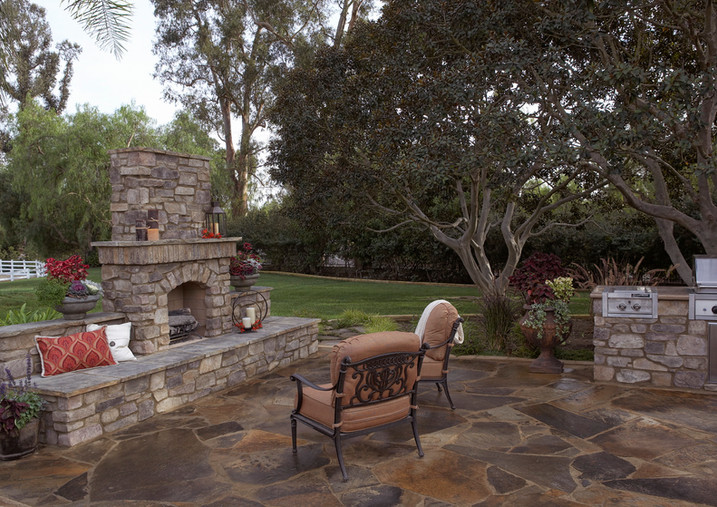 Kindred_Outdoor Kitchen_Fireplace_Coastal Ranch Kitchen_Murphy's_01.jpg