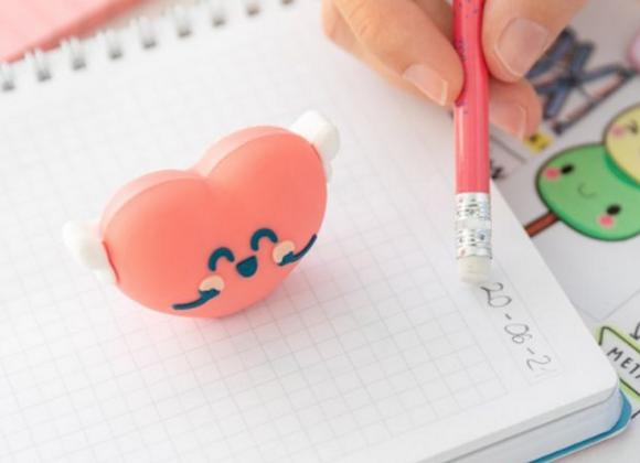 Kit avec crayon et taille-crayon - Cœur ailé