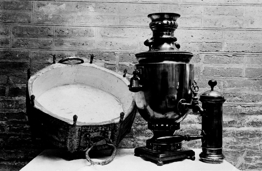 The Babs brazier and samovar