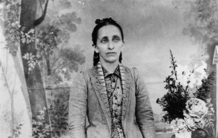 Early Baha'i Heroines