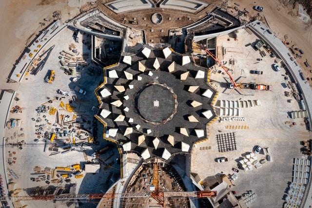 Shrine of 'Abdu'l-Bahá: Plaza walls completed, trellis construction begins
