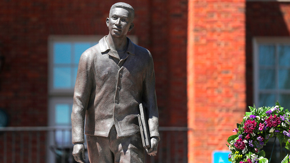 Newly dedicated statue honors Furman's first Black student