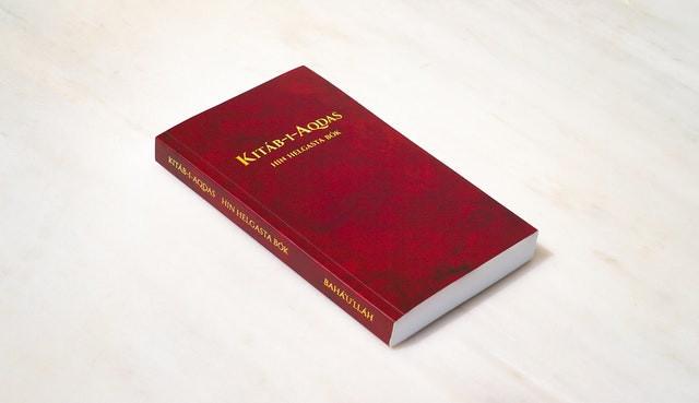 The Kitáb-i-Aqdas: Bahá'í Most Holy Book published in Icelandic