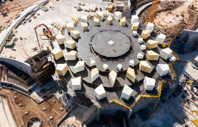Video of Shrine of 'Abdu'l-Bahá: Plaza walls completed, trellis construction begins