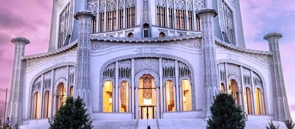 Do Bahá'ís have places of worship?