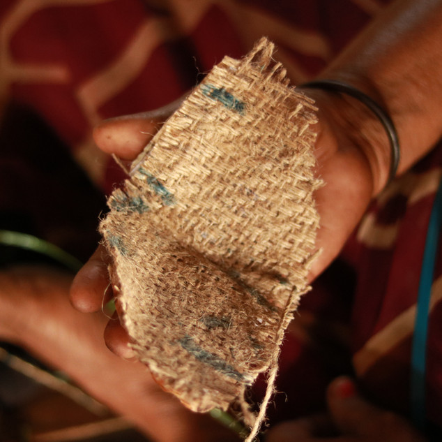 JUTE, TEMPORARILY FIXED SUCH THAT IT CAN BE REPLACED WHEN WORN OUT