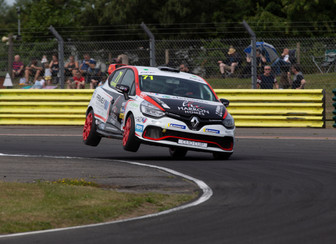 Home win gives Coates championship lead