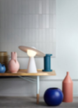 MOEBE_CERAMIC-TABLE-LAMP_IC_LOW-RES_04.j