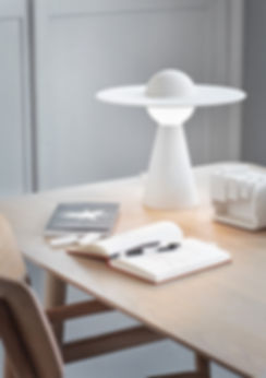 MOEBE_CERAMIC-TABLE-LAMP_IC_LOW-RES_01.j