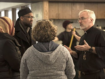 Muslims Jews and Christians work together on Christmas Day