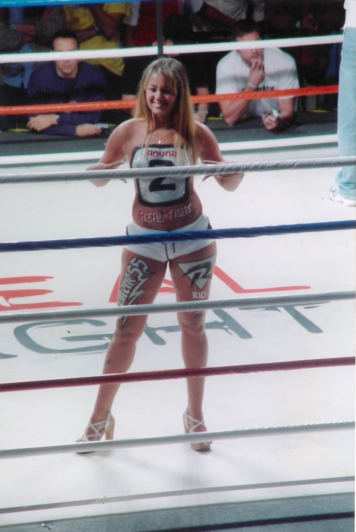 35 - Ring Girls