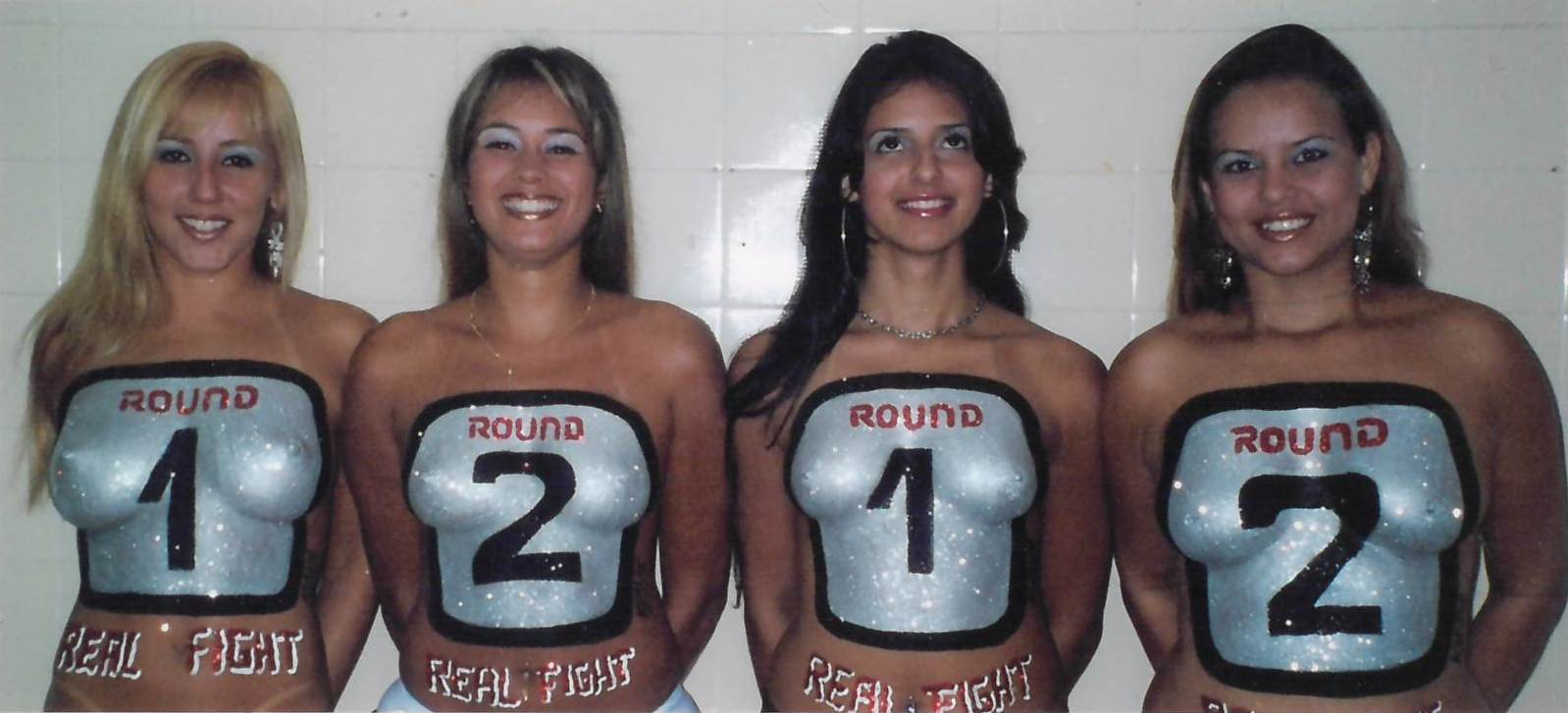 28 - Ring Girls