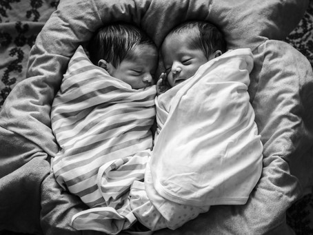 Newborn Twins | Lifestyle