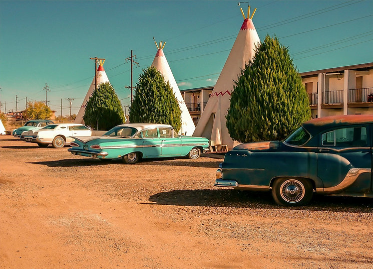 bigstock-Wingwam-Motel-And-Vintage-Cars-307589383_edited_edited_edited.jpg