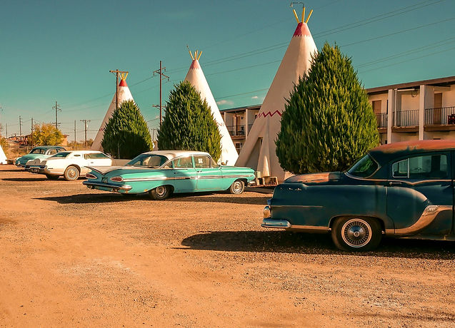 bigstock-Wingwam-Motel-And-Vintage-Cars-307589383_edited_edited.jpg