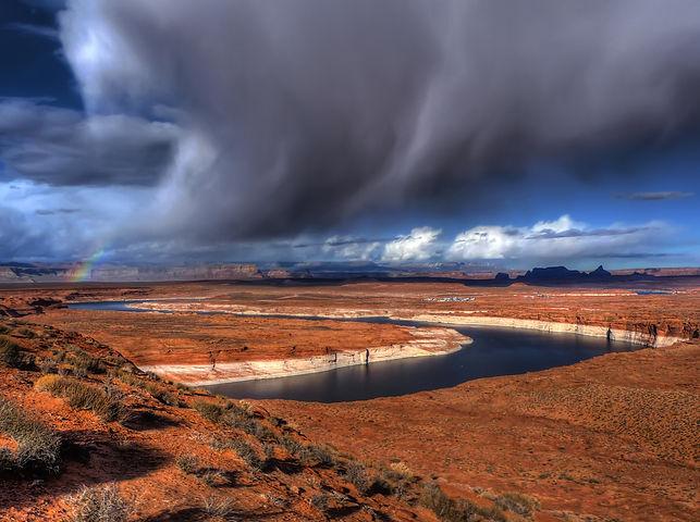 bigstock-Lake-Powell-10037495.jpg